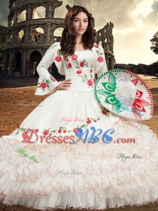 Latest Embroideried and Ruffled Layers White Quinceanera Gown in Organza and Taffeta