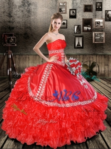 Elegant Red Strapless 2017 Quinceanera Dresses with Appliques and Ruffles