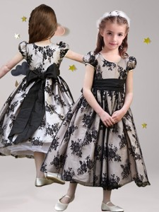 Exquisite Scoop Short Sleeves Black Flower Girl Dress with Sashes