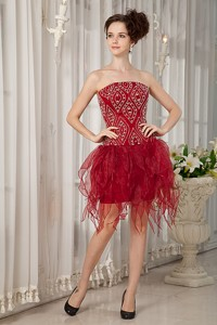 Gorgeous Wine Red Column Strapless Cocktail Dress Beading Mini-length