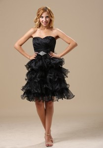 Apple Valley Ruched And Beading Decorate Bodice Ruffles Knee-length 15th Birthday Dress