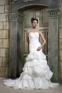 Exclusive Mermaid Sweetheart Chapel Train Organza Beading Wedding Dress