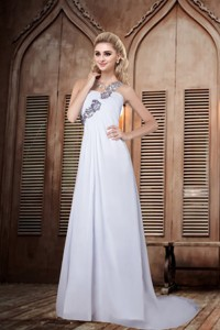 Simple One Shoulder Brush Train Backless Wedding Dress with Appliques