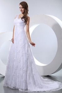 Luxurious V-neck Court Train Taffeta And Lace Wedding Dress