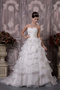 Classical Sweetheart Court Train Organza Appliques And Ruch Wedding Dress