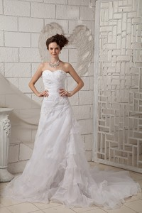 Exquisite Sweetheart Court Train Organza Appliques Wedding Dress