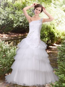 Discount A Line Court Train Beading Wedding Dress with One Shoulder