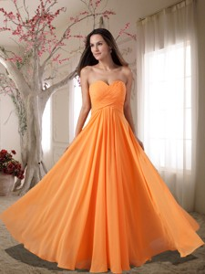 Affordable Sweetheart Ruching Empire Graduation Dress In Orange