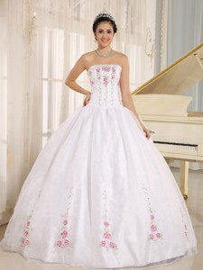 White Embroidery Quinceanera Dress For Custom Made In Kahului City Hawaii