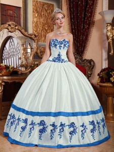 White and Blue Sweetheart Floor-length Taffeta Appliques Quinceanera Dress