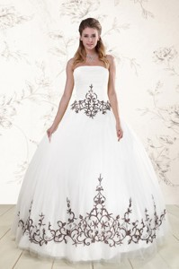 Puffy Appliques Strapless White Quinceanera Dress