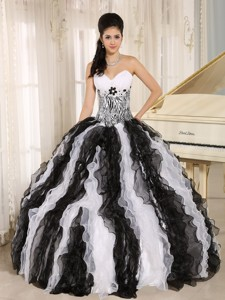 White and Black Ruffles Quinceanera Dress With Appliques Sweetheart For Custom Made In Honolulu City