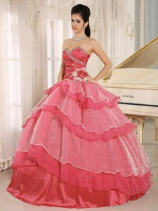 Red Sweetheart Beaded Decorate And Ruched Bodice Ruffled Layeres Quinceanera Dress In