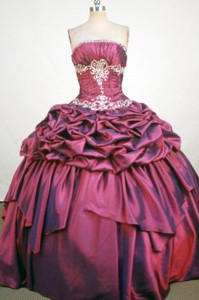 Sweet Ball Gown Strapless Floor-Length Burgundy Beading and Applqiues Quinceanera Dress