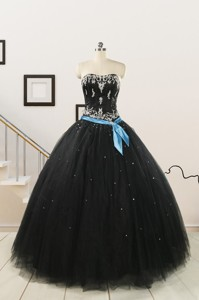 Pretty Appliques And Beading Black Quinceanera Dress