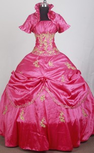 Modest Ball Gown Strapless Floor-length Qunceanera Dress