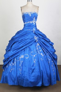 Elegant Ball Gown Strapless Floor-length Royal Blue Quinceanera Dress