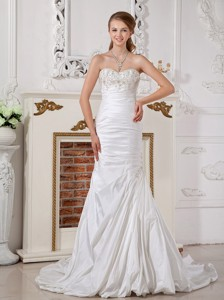 Modest Sweetheart Court Train Taffeta Appliques And Ruch Wedding Dress