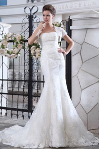 Simpel Mermaid Strapless Court Train Lace Belt Wedding Dress
