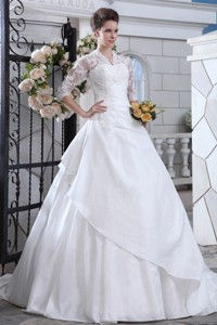 Discount Ball Gown V-neck Court Train Satin Lace Wedding Dress