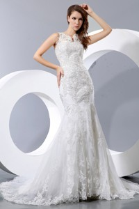 Luxurious Mermaid V-neck Court Train Taffeta and Lace Wedding Dress