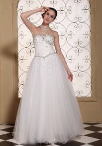 Beaded Bodice Tulle Lovely Wedding Dress Strapless And Floor-length Gown