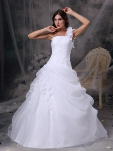 White One Shoulder Floor-length Organza Hand Made Flowers And Ruch Quinceanera Dress