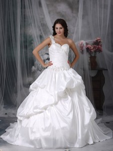 Beautiful One Shoulder Court Train Taffeta Appliques Wedding Dress