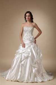 Luxurious Strapless Chapel Train Taffeta Beading And Pick-ups Wedding Dress