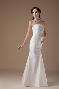Popular Column Strapless Floor-length Satin Appliques Wedding Dress