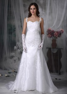 Sweet Straps Brush Train Organza Appliques And Ruch Wedding Dress