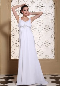 Elegant White Prom Dress V-neck Beaded Decorate Bust Chiffon Brush Train Gown