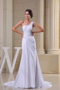 Pure One Shoulder Court Train Ruched Chiffon White Wedding Dress