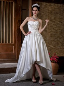 Unique Sweetheart Court Train Taffeta Ruch Hand Made Flowers Wedding Dress