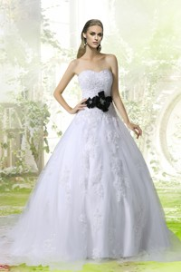 Princess Sweetheart Court Train Wedding Dress With Appliques