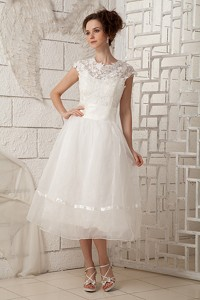 Lovely Scoop Tea-length Organza Lace Wedding Dress