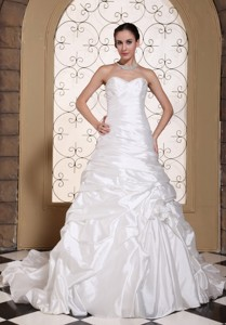 Elegant Wedding Dress Ruched Bodice And Pick-ups Chapel Train