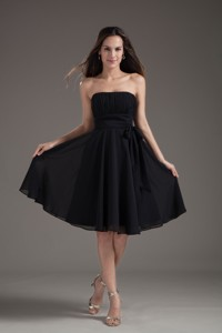 Simple Empire Black Strapless Sash With Chiffon Bridesmaid Dress