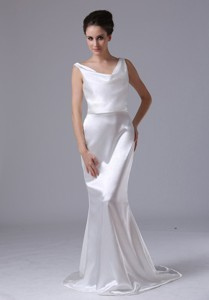 Mermaid V-Neck Simple Brush / Sweep Garden / Outdoor Taffeta Wedding Dress