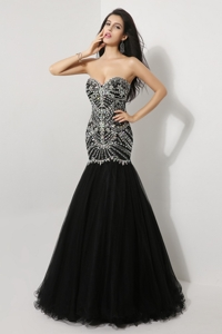 Luxurious Mermaid Sweetheart Beaded Prom Dress In Black