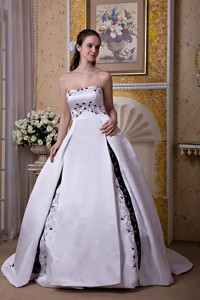 Elegant Ball Gown Strapless Chapel Train Satin Embroidery Wedding Dress