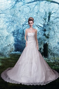 Beautiful Strapless Chapel Train Lace Appliques Wedding Dress
