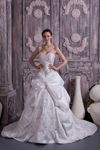 Lovely Princess Sweetheart Court Train Taffeta Embroidery With Beading Wedding Dress