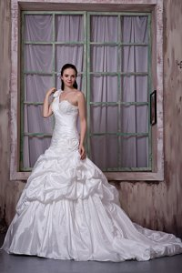 Luxurious One Shoulder Court Train Taffeta Appliques And Pick-ups Wedding Dress