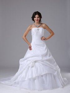 Fashionable Wedding Dress With Strapless Hand Made Flowers and Taffeta