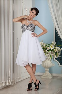 Simple White Princess Prom Homecoming Dress Sweetheart Knee-length Chiffon