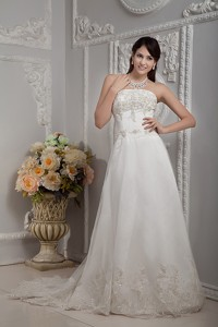 Elegant Strapless Court Train Appliques Lace Wedding Dress