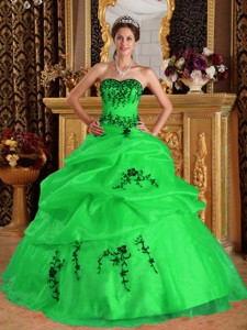 Green Ball Gown Sweetheart Floor-length Satin and Organza Embroidery Quinceanera Dress