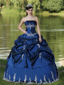Custom Made Navy Blue Quinceanera Dress Party Wear With Satin Embroidery Decorate