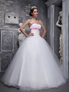 Elegant Ball Gown Strapless Floor-length Taffeta and Tulle Beading and Appliques White Quinceanera D